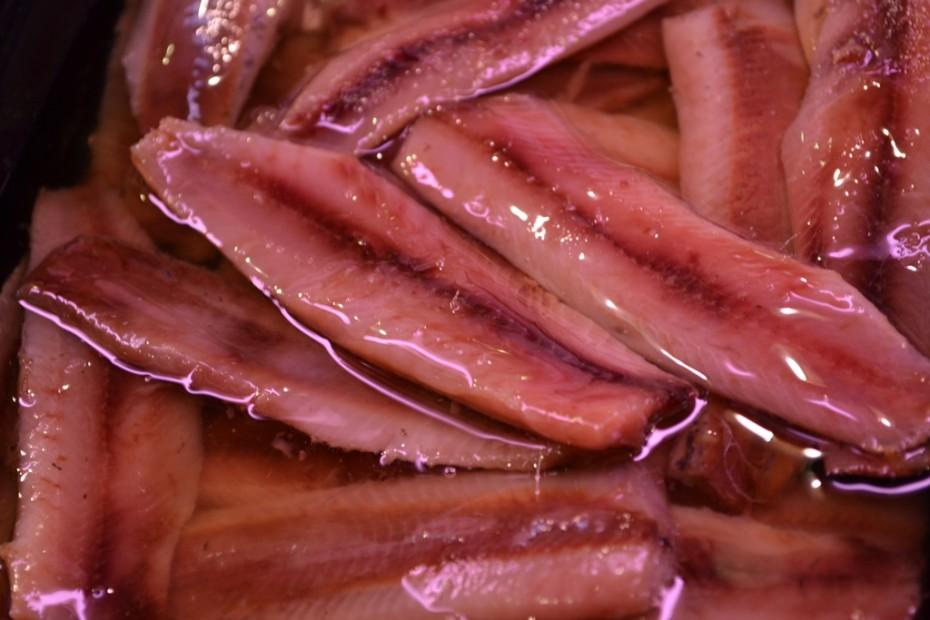 Deliciosas sardinas ahumadas del mercado de Almería