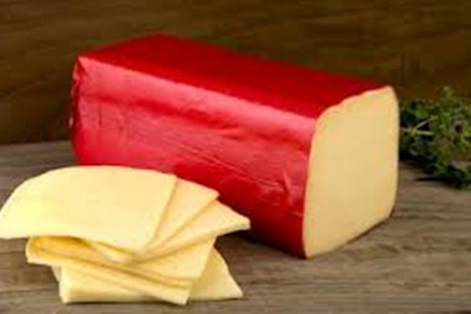 Exquisito queso Edam holandés del mercado de Almería